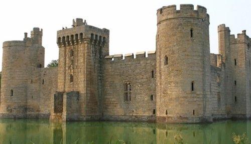 Bodiam Castle Private Tour from London