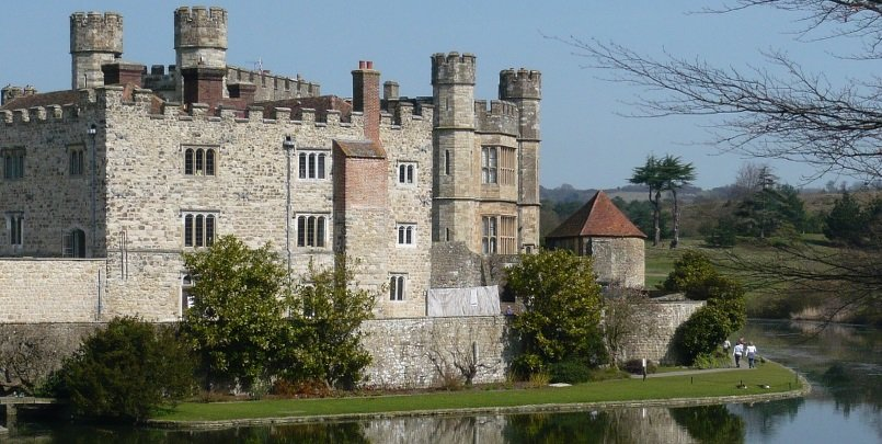 Leeds Castle on a private tour from London