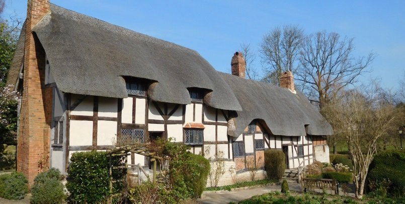 Stratford-upon-Avon. Best Places to Visit in the Cotswolds