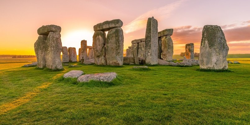 Stonehenge private tour at sunrise or sunset