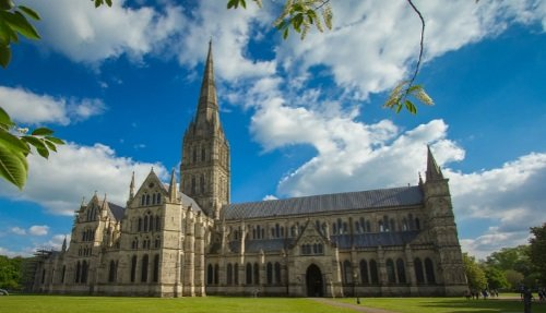 Stonehenge, Salisbury & Bath Sightseeing Day Tour from London