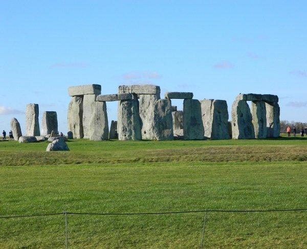 stonehenge 600