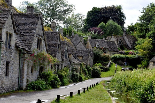 The charming village of Bibury!