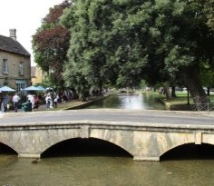 Bourton on the water 236 205