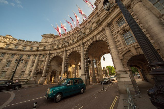 Admiralty Arch, marking the beginning of the Buckingham Palace Neighbourhood.