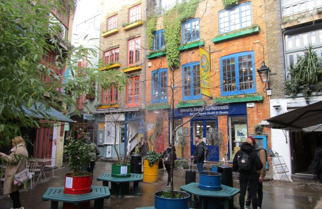 Neal's Yard, Covent Garden District