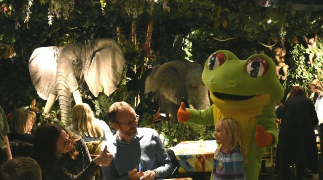 Eating in the jungle at the Rainforest Cafe!
