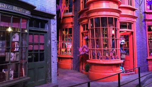 Harry Potter Warner Bros. Studio Tour with Hotel Pickup