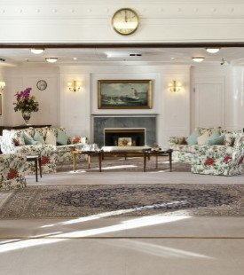 State Drawing Room, Royal Yacht Britannia 275 310