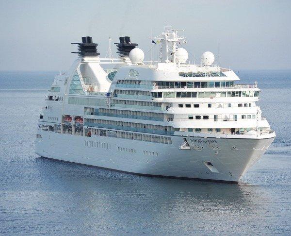 Cruise Ship 600 486