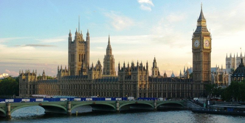 Houses of Parliament 805 405